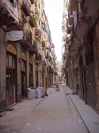 El Raval: Calle Lluna: new vacuum garbage system construction