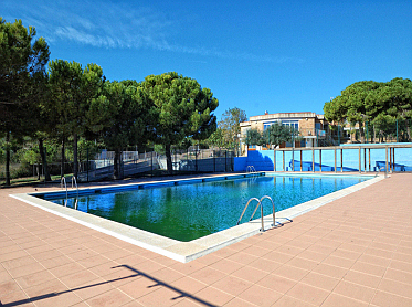Calafell rural lodge casa de colonias artur martorell for Swimming pool financing poor credit
