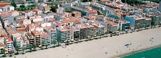 Calafell seafront: 6-storey apartments facing the sea